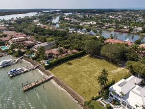 Naples Real Estate - MLS#217023874 Photo 4
