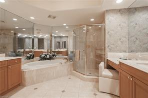 Naples Real Estate - MLS#216068980 Photo 12