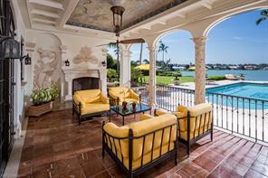 Naples Real Estate - MLS#215023883 Photo 4
