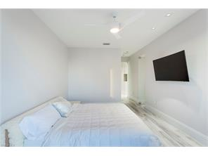 Naples Real Estate - MLS#217022883 Photo 12