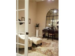 Naples Real Estate - MLS#217000685 Photo 9