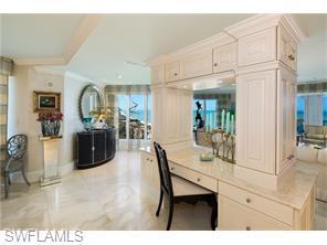 Naples Real Estate - MLS#216029986 Photo 4