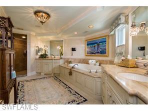 Naples Real Estate - MLS#216029986 Photo 13