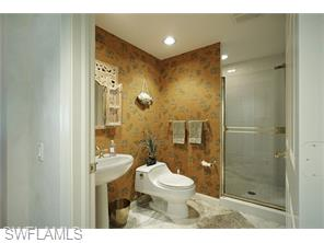 Naples Real Estate - MLS#216036388 Photo 18