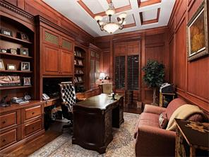 Naples Real Estate - MLS#216061788 Photo 16