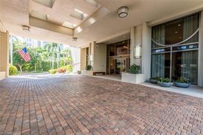 Naples Real Estate - MLS#217002593 Photo 21