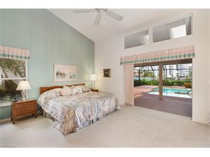 Naples Real Estate - MLS#217004395 Photo 9