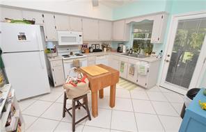 Naples Real Estate - MLS#216080797 Photo 10